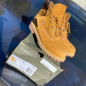 Youth size 5 6in Wheat Timberlands
